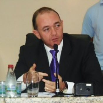 Dr. Adalberto protocola projeto de Lei contra a exploração sexual infantil